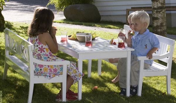 De su cuarto al jardín. Muebles infantiles para estar en el jardín ...