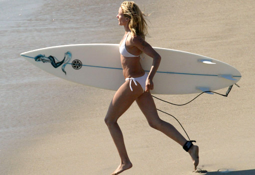 Se llevan las mechas surferas