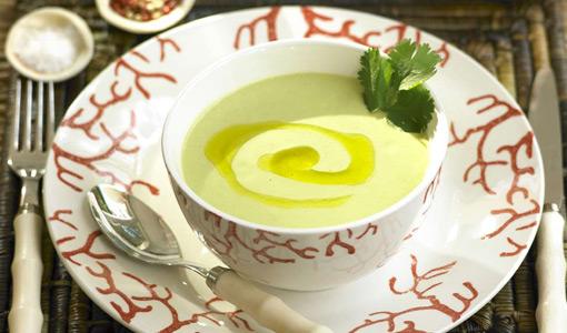 Sopas frías: 10 recetas fáciles y sanas