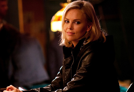 young adult con charlize theron - TELVA