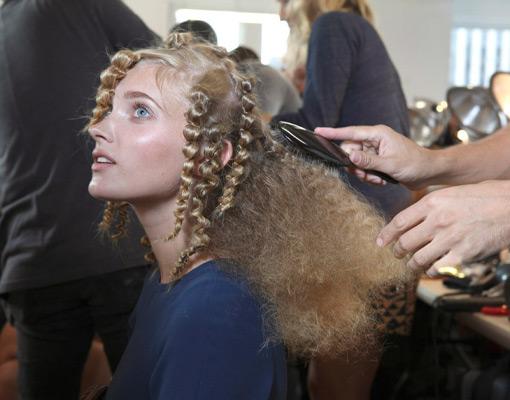 Peinados trendy para pelo rizado