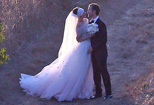 Descubre la boda de princesa de Anne Hathaway