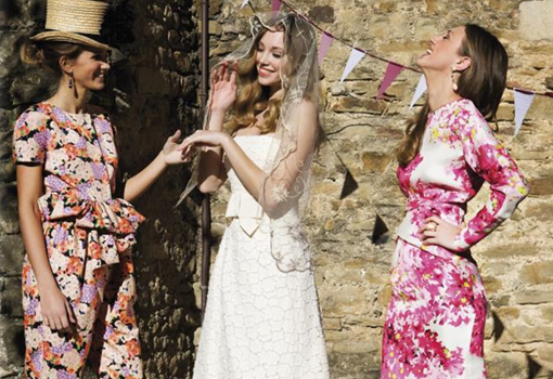 Vestidos invitada boda flores
