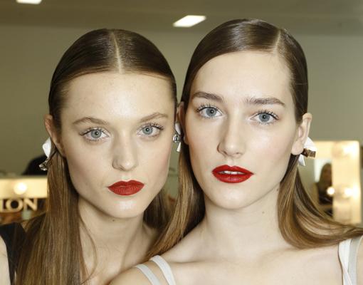 MAquillaje labios rojos y piel perfecta - TELVA