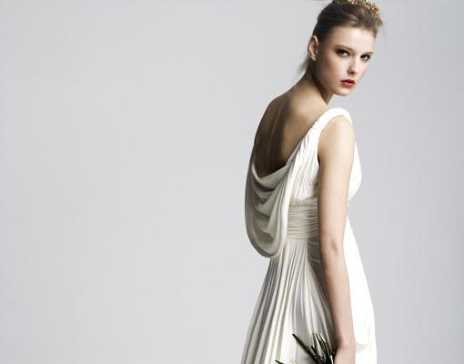 aab81545e3 Vestidos de novias con espaldas originales