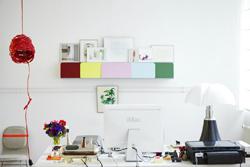 Mesa de escritorio con ordenador