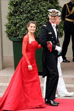 Doña Letizia y el Príncipe Felipe en la boda de los Príncipes de Dinamarca.