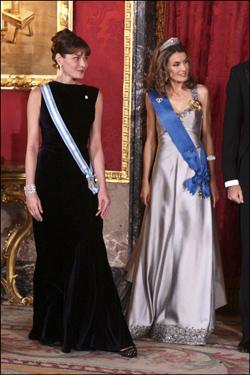 Doña Letizia y Carla Bruni.