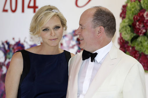 Charlene de Mónaco deslumbra en la última <em>Royal party</em> del verano