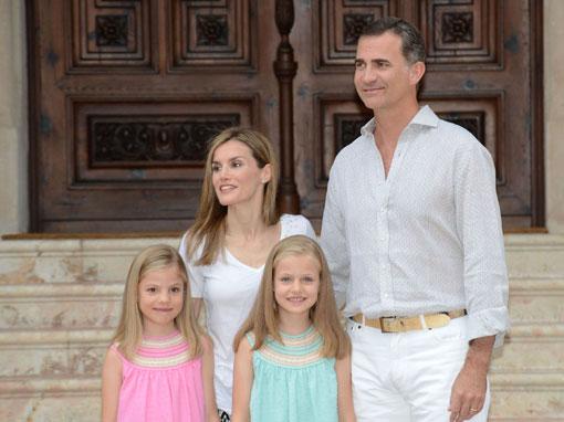 Los Reyes de España y sus hijas, días al sol de Palma