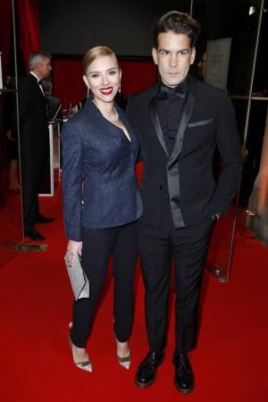 Scarlett Johansson y Romain Durac