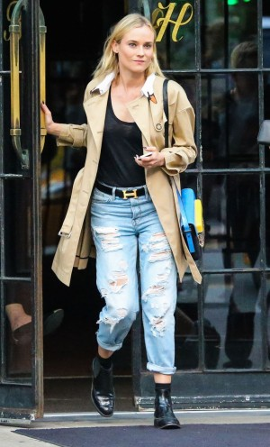 Diane Kruger con trench