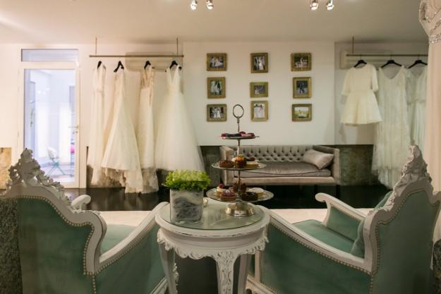 Interior de un atelier de novias.