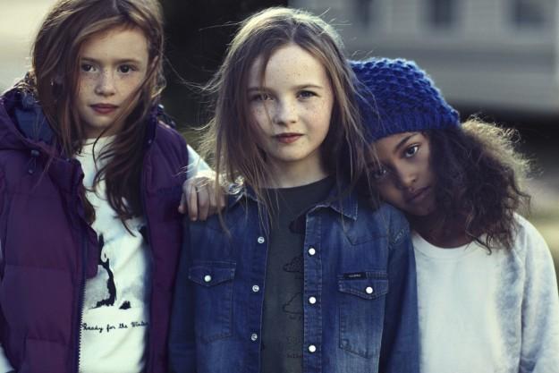 Tres niñas campaña Pull&Bear