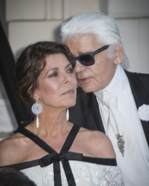 Carolina comparte confidencias con Karl Lagerfeld
