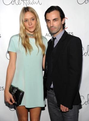 En 2008 Chloë acompañó a su amigo Nicolas Ghesquière cuando éste recibió el premio ACE a Mejor Diseñador por su labor en Balenciaga.