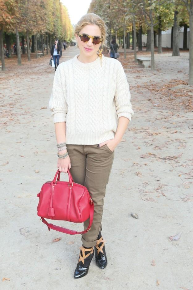 Camille a su llegada a la Semana de la Moda de París el pasado septiembre con complementos de Louis Vuitton.