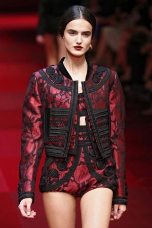 Blanca Padilla fue la estrella del desfile de Dolce & Gabbana inspirado en la Sicilia española.