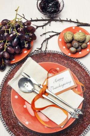 Montaje de mesa de Acción de Gracias.