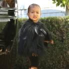 La hija de Kim Kardashian arrasa con su total look black
