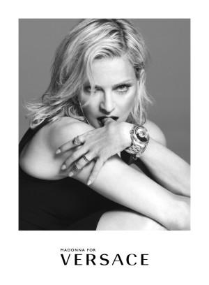 Madonna es la nueva imagen de la firma Versace