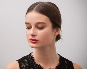 Una buena base de maquillaje es el primer paso para un maquillaje perfecto.