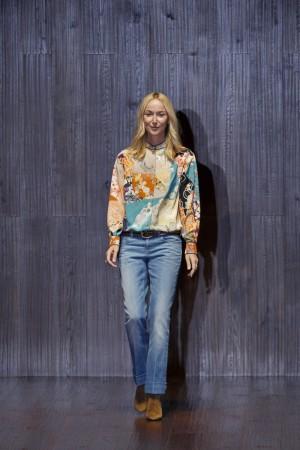 Frida Giannini sale a saludar tras el último desfile de Gucci, su penúltimo para la casa.
