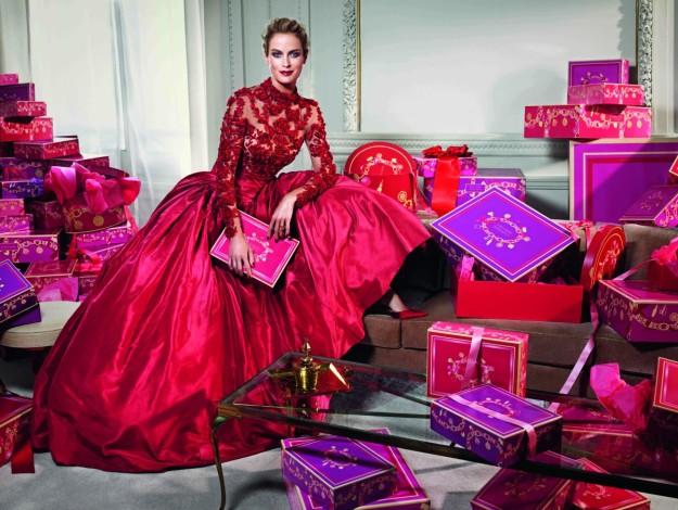 Carolyn Murphy protagoniza la campaña Holiday 2014 de Estée Lauder