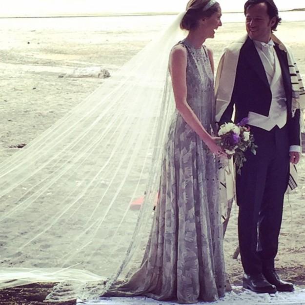 La novia eligió un vestido de Valentino Alta Costura.