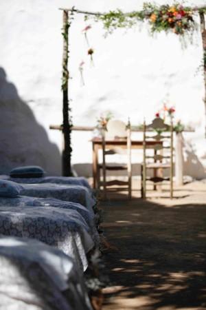 El patio andaluz que poseía la masía fue el escogido por los novios para celebrar la ceremonia íntima y darse el esperado