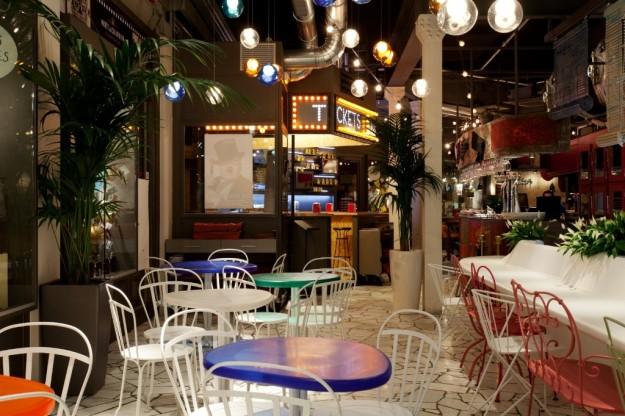 Interior del restaurante Tickets de Barcelona.