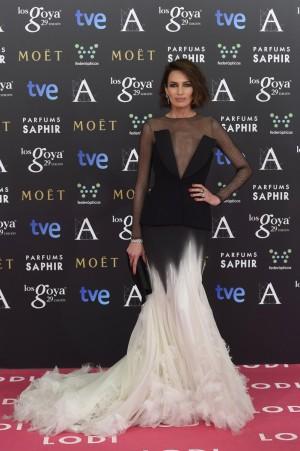 Nieves Álvarez nos ha hecho soñar con un vestido de Stephane Rolland.