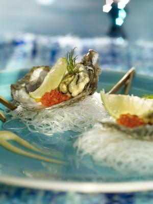 Ostras en tempura con mayonesa de wasabi.