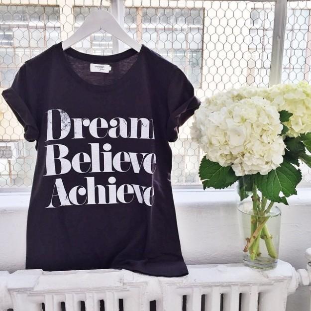 Su lema es 'Dream Believe Achieve' ('Sueña Cree Consigue').