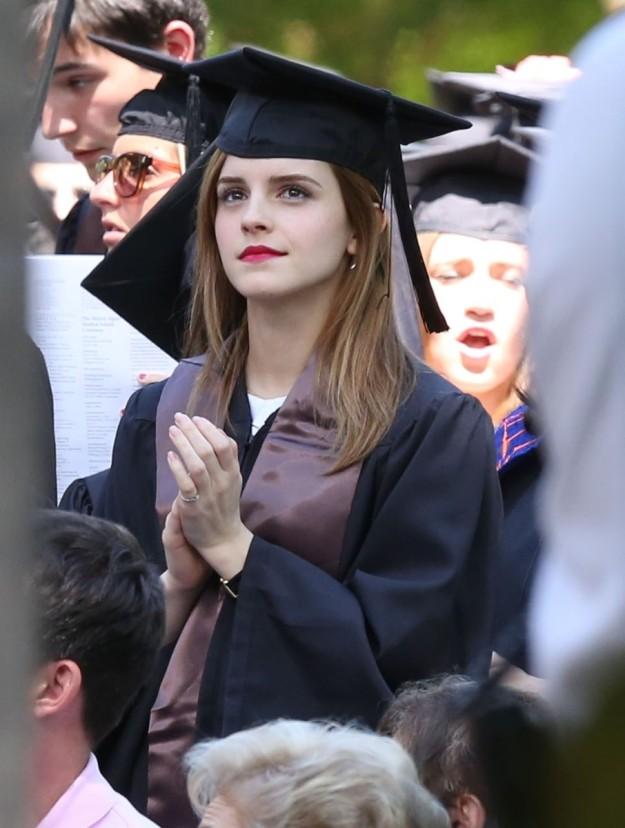 La actriz está graduada en Literatura Inglesa por la Universidad Brown.