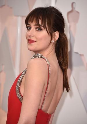 Dakota Johnson en los Oscars 2015