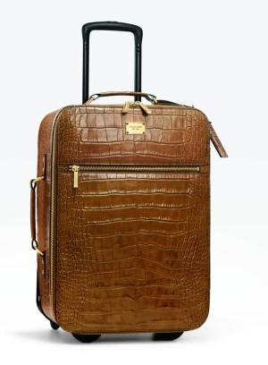 La maleta que la firma diseñó para la colección también estará disponible en tiendas seleccionadas