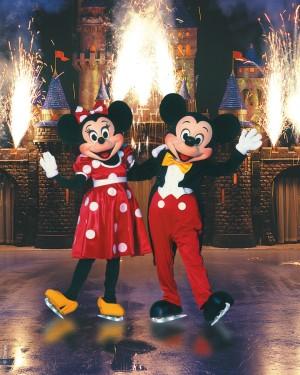Minnie y Mickey durante el espectáculo.