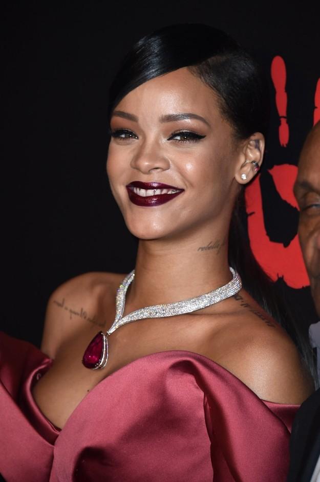 Rihanna es la protagonista de Secret Garden, la nueva campaña de Dior