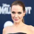 Angelina Jolie se extirpa los ovarios para evitar el cáncer