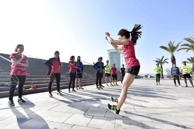 Isabel del Barrio: Sentadilla con salto nos ayuda a fortalecer las piernas.