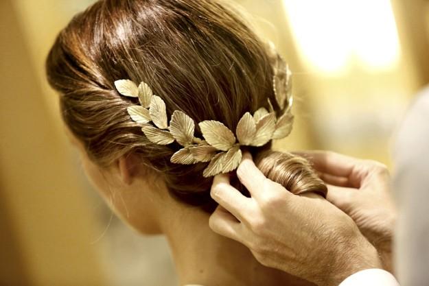 Tocado de flores de novia.