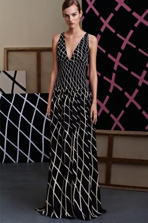 Mismo vestido que en la imagen de campaña, pero presentado en formato look-book, todavía bajo la batuta de Frida Giannini.