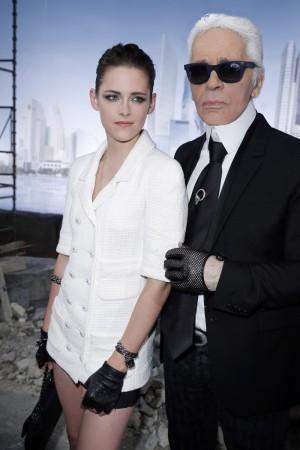 Kristen Stewart y Karl Lagerfeld.