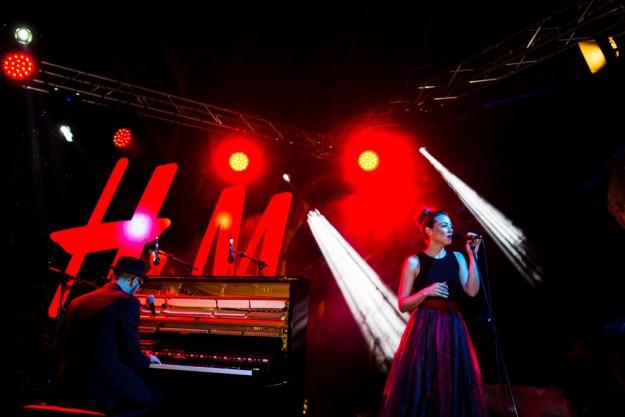 El grupo musical de Leonor Watling con su grupo, Marlango, amenizó la velada.