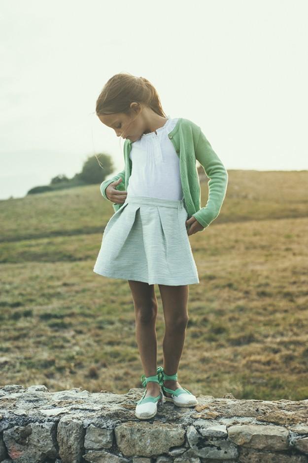 Las prendas de Bonnet à pompon evocan el punto que tejían a mano nuestras abuelas y madres