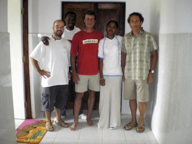 Cayetano Martínez de irujo visitó el Hospital Pablo Horstmann, a las afueras de Lamu.
