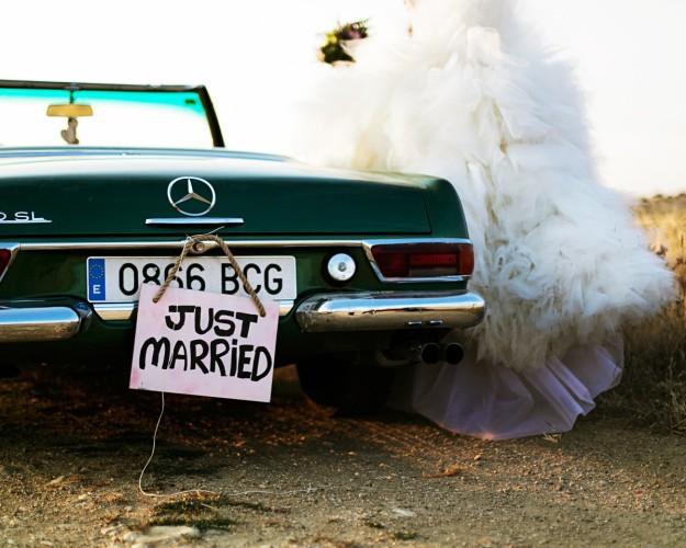 Coche de recién casados.