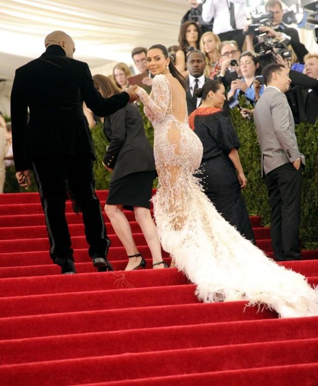Kim Kardashian, también casi desnuda con su vestido de Peter Dundas para Cavalli
