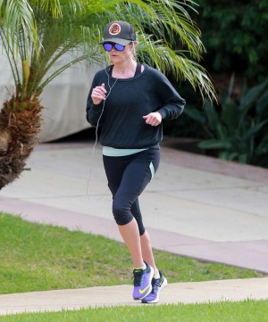 Reese Witherspoon modo running.